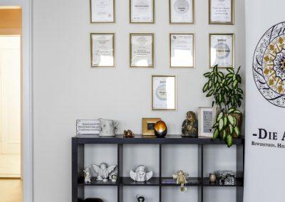 Praxis Einrichtungs-Detail mit Zertifikaten